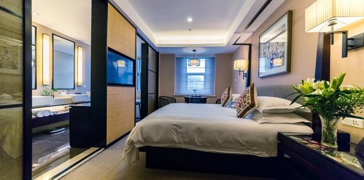 2018旅游业十大交易:酒店并购达140亿美元,美团收购摩拜列第四