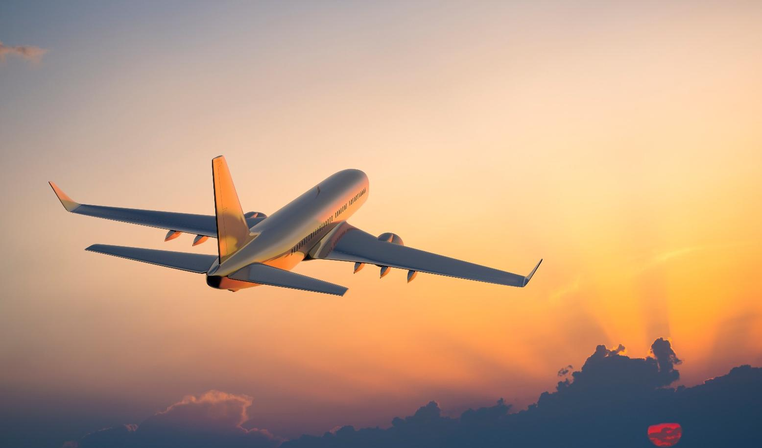 从1月17日东方航空率先发出即将开放空中开机的消息,到18日凌晨海南航空首班开放手机使用的航班落地之后,其他航企的态度也从正在评估阶段变得不淡定了,争先恐后发出自家的机上手机解禁时间表。 据《每日经济新闻》记者不完全统计,截至18日20:00时,包括海南航空、东方航空、祥鹏航空、南方航空、山东航空、厦门航空、春秋航空、四川航空、深圳航空、重庆航空在内的10家航空公司基本已经确定自家航班在机上何时能开机。 2018年伊始,民航业就迎来跨时代的变化,但大部分航空公司解禁所有航班手机使用并不代表乘客坐