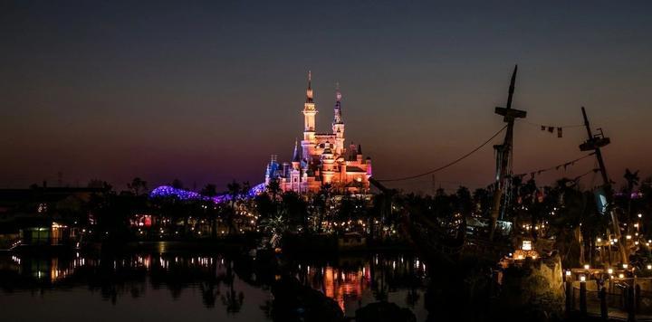 """亏损近20年,却要砸下25亿美元扩建,这个""""最不争气""""的迪士尼乐园想干嘛?"""