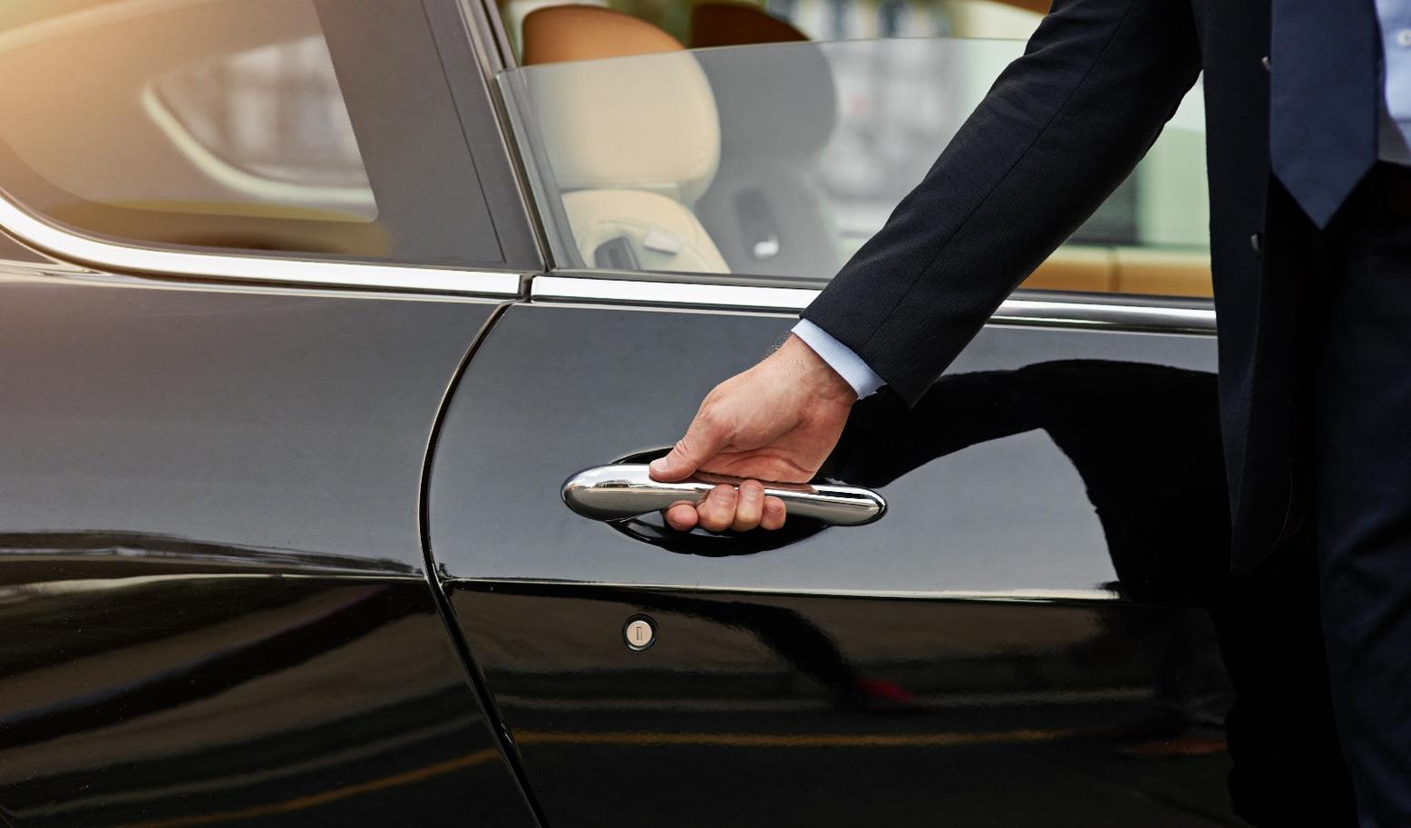 Uber将出售汽车租赁业务给Fair com – 执惠
