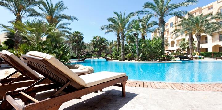 酒店揽客卖房,阿尔卡迪亚酒店疑违规返本销售