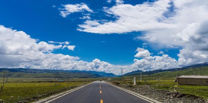 首屆G318公路文化產業(理塘)峰會圓滿落幕