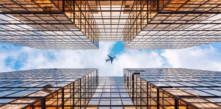 美联航预测航空业至少两年内无法恢复,公司明年或实现正向现金流