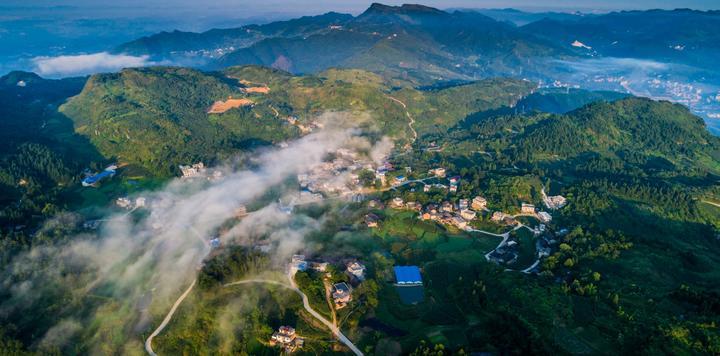 贵州黔南:13个F1直播项目签约,总投资43.05亿