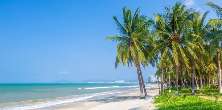 海南处理一批违法违规项目,三亚凤凰岛、万宁日月湾人工岛项目停工