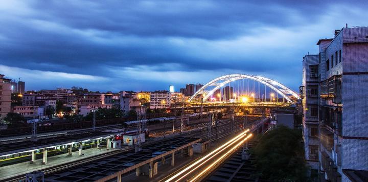 华侨城与湖南衡阳签订备忘录,落地来雁新城、雨母山两项目