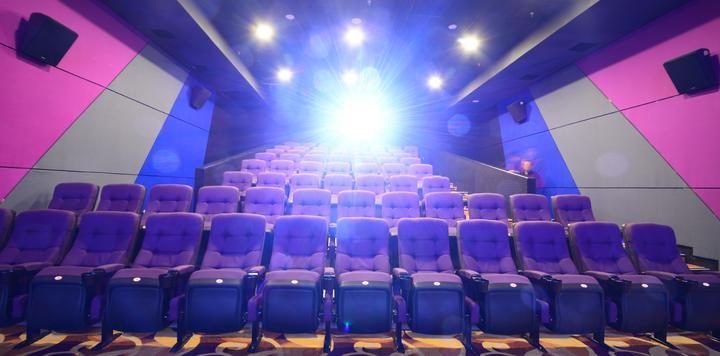 文旅部:剧院等演出场所上座率从30%上调为50%