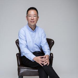 甄浩- 探路者集团副总裁