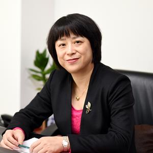 昝琳- 锦江之星旅馆有限公司公司董事、CEO;上海锦江卢浮亚洲酒店管理有限公司中国区首席运营官
