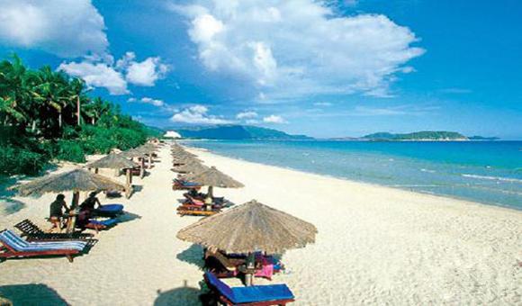 入境游人数逐年下滑 失落的国际旅游岛