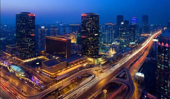 交通数据下的城市群像:大连广州早晚高峰难熬,深圳夜生活丰富