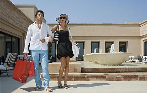 """""""有钱任性""""的商务旅客有什么样的购物消费习惯?"""