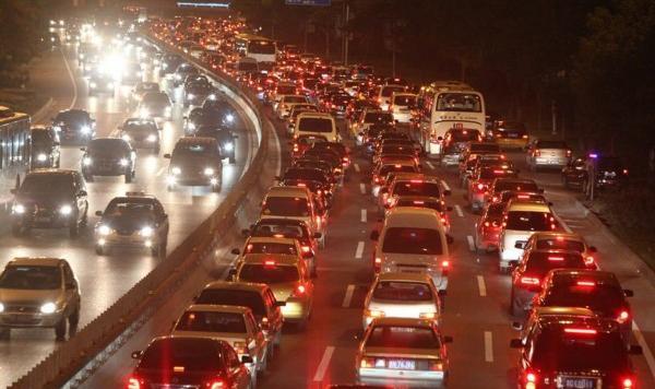 北京蝉联最拥堵城市 广州跻身前三成为拥堵飙升最快城市