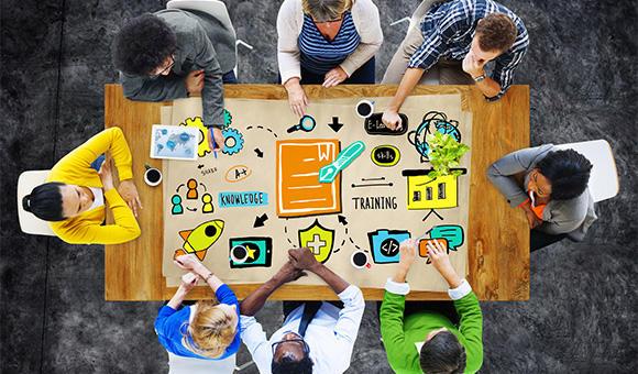 """易到用车CEO周航:如何理解""""共享经济""""的机会与挑战?"""