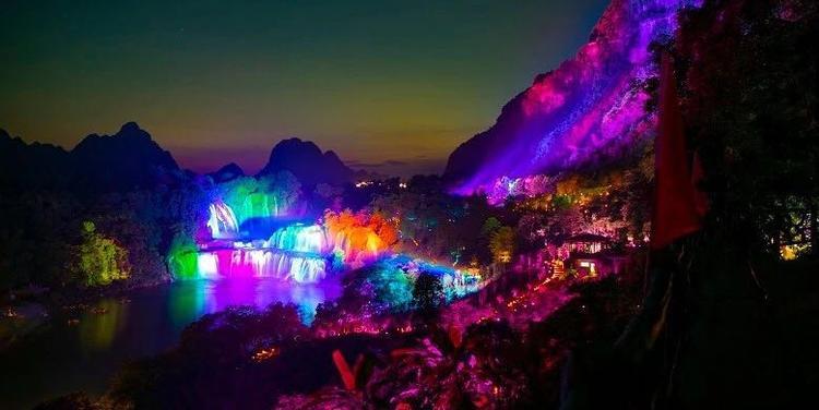 亞洲首個跨國景區夜遊項目開業,文旅夜遊成行業複蘇重要引擎